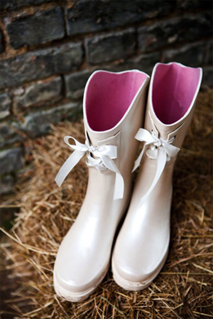 gumene cizme na vencanju 2 Moderne na venčanju: Gumene čizme