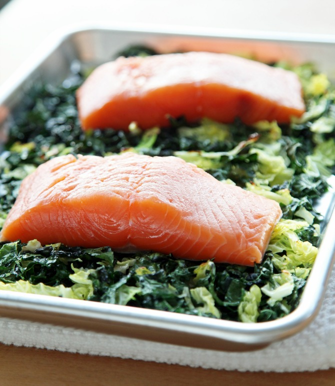 Salmon with Cabbage Before Cooking.xxxlarge 2x Losos sa kupusom i keljom