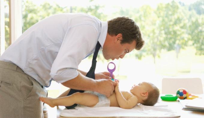 tata i beba Zašto ne umeš da menjaš pelene?