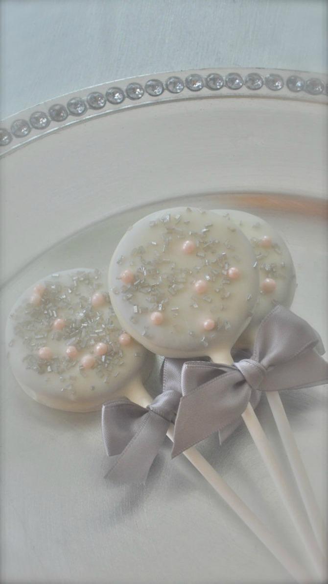 cokoladne lizalice1 Ideje kako da čokoladom ukrasite svoje venčanje