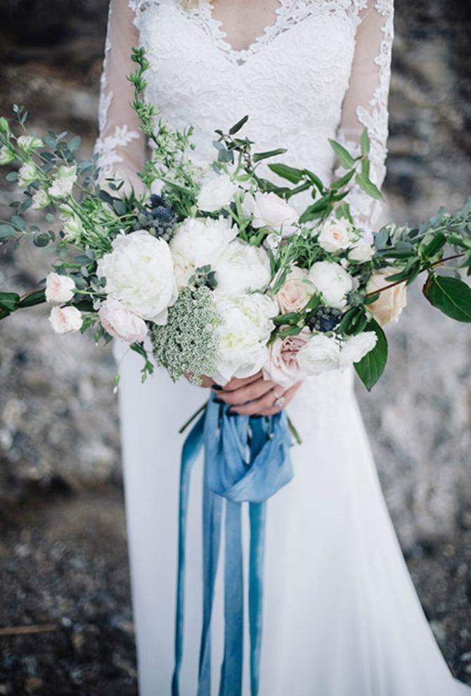bidermajer u plavoj boji Nešto plavo na venčanju: Bidermajer