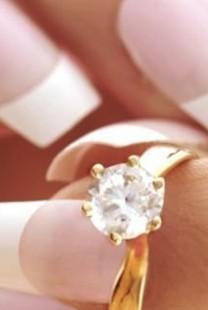 Odaberite savršen manikir za venčanje