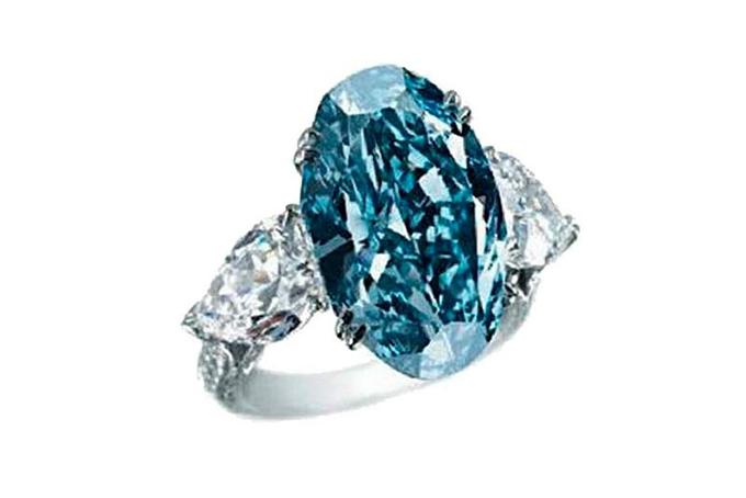 plavi prsten najskuplji Nakit vredan više miliona: Najskuplji nakit na svetu