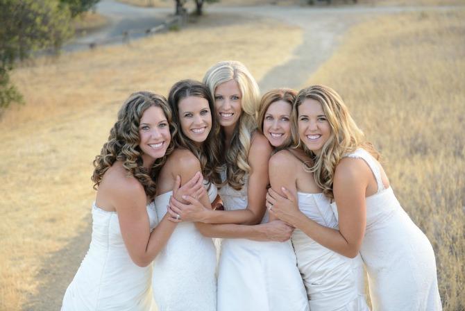 sestre u venčanici2 Kad se sestre slikaju pred venčanje