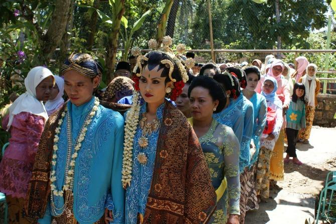 venčanja širom sveta Indonezija Kakve haljine žene širom sveta nose na venčanju