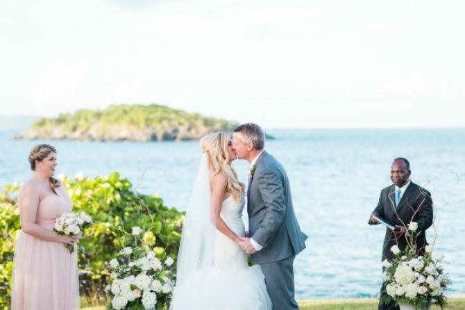 vencanje na ostrvu1 Najromantičnija venčanja su na plažama i ostrvu