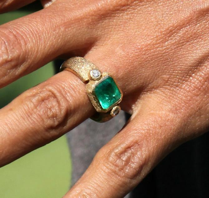 verenički prsten Hali Beri1 Netradicionalno vereničko prstenje poznatih