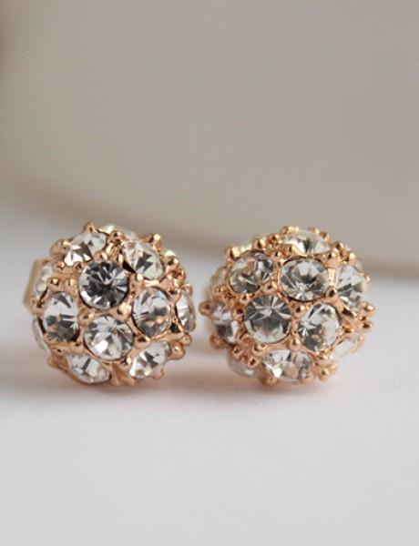 Savršen nakit će upotpuniti izgled svake mlade