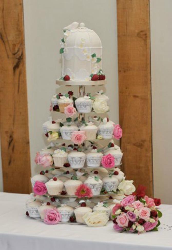 cup cake za venčanje Mladenačka torta je jedan od najlepših ukrasa na venčanju