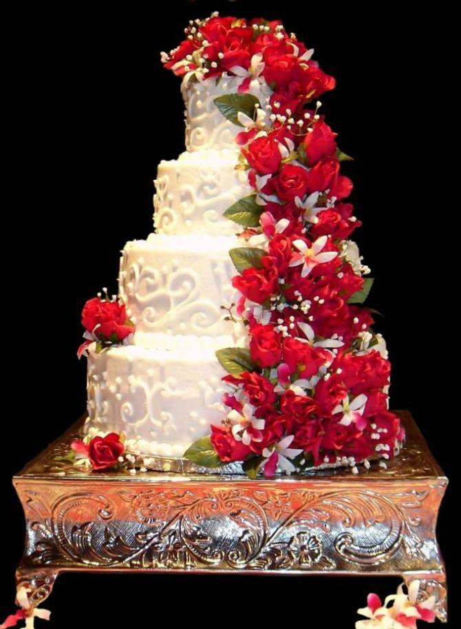 mladenačka torta5 Ukus mladenačke torte bitan je koliko i njen izgled