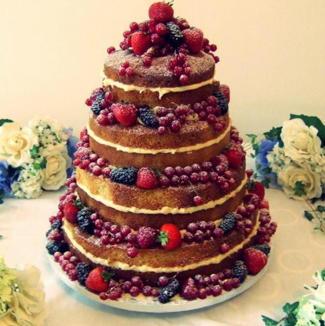 nacked mladenačke torte Ukus mladenačke torte bitan je koliko i njen izgled