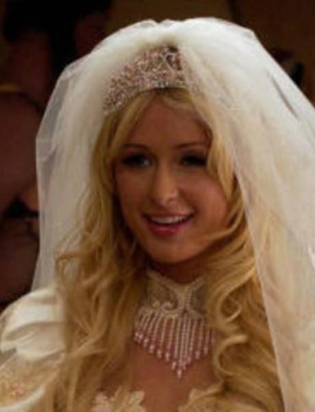 Da li su ovo najružnije venčanice ikada viđene na TV i filmu?