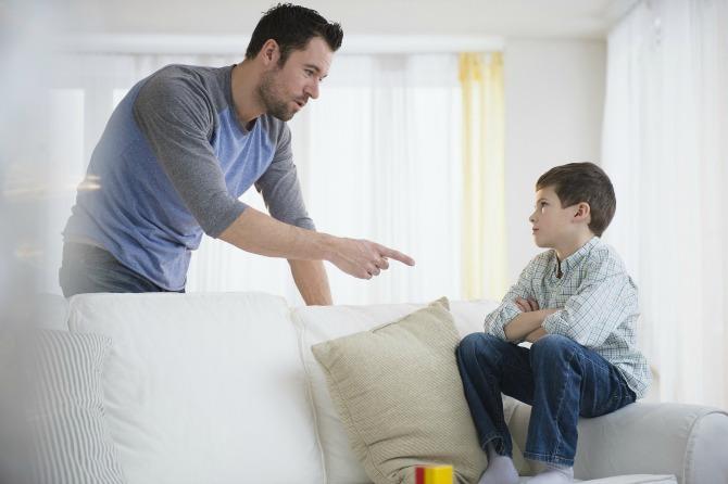otac se svađa sa deteom Ove rečenice roditelj nikada ne treba da kaže svom detetu