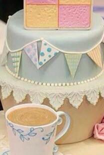 Mladenačka torta je jedan od najlepših ukrasa na venčanju