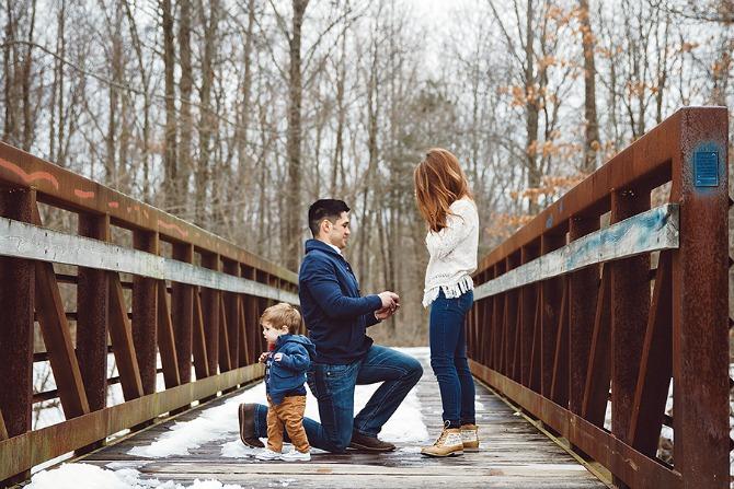 dečak od godinu dana pomogao tati da zaprosi devojku1 Dečak od godinu dana pomogao tati da zaprosi devojku
