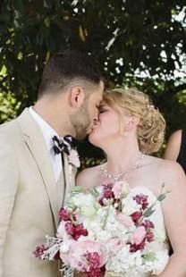 Fotografija sa venčanja koja je zapalila društvene mreže