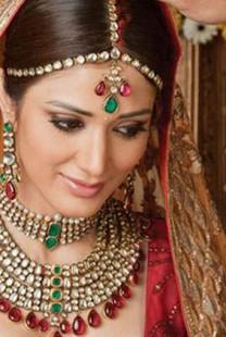I ovo je deo tradicije  – Indijku udali za psa!