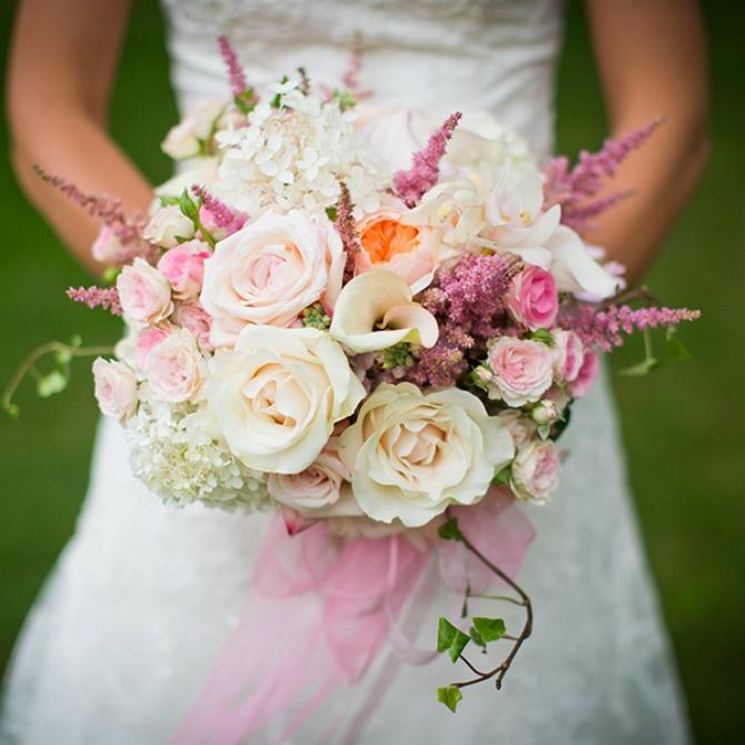 veliki cvetni bidermajeri Veliki i raskošni bidermajeri san su svake mlade