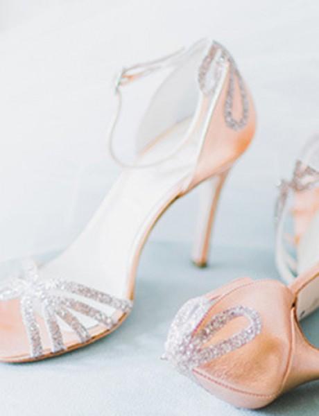 Idealne cipele za odgovarajući model venčanice