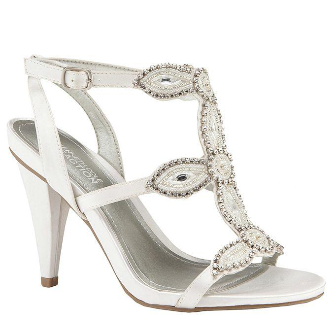 wannabe magazin1 Idealne cipele za odgovarajući model venčanice