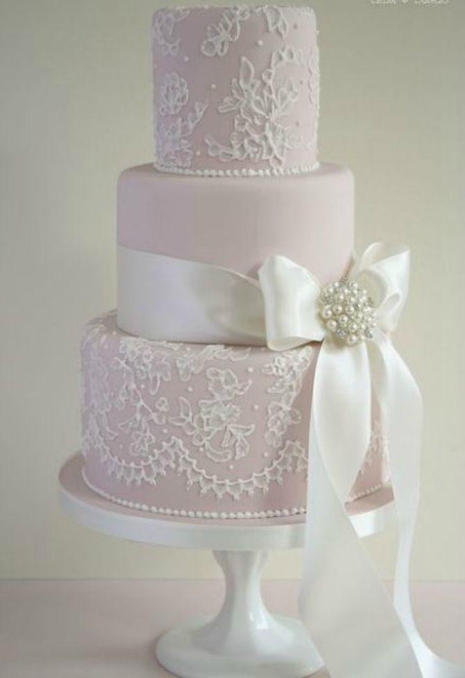 mladenačke torte ukrašene mašnom2 Neodoljive mladenačke torte ukrašene mašnom