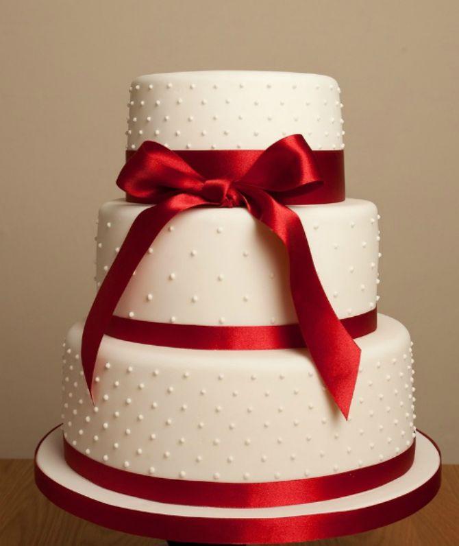 mladenačke torte ukrašene mašnom4 Neodoljive mladenačke torte ukrašene mašnom