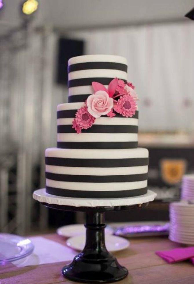 mladenacka torta na pruge Elegantne prugaste mladenačke torte