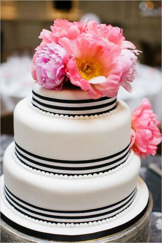 mladenacka torta na pruge3 Elegantne prugaste mladenačke torte