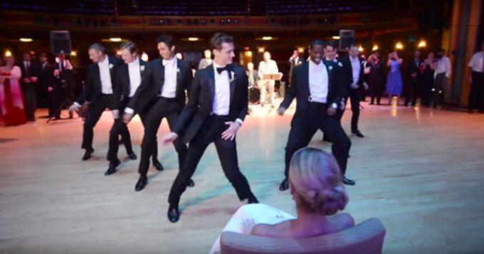 svadbeni ples 1 Fenomenalni svadbeni ples mladoženje i njegovih prijatelja