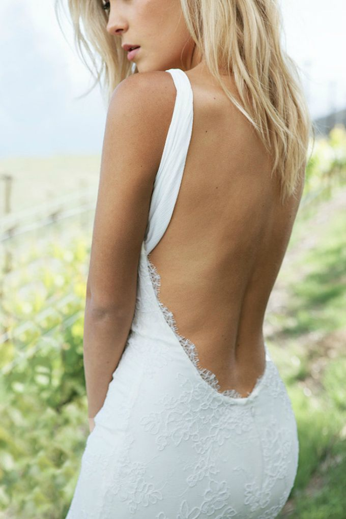 vencanice golih ledja 1 Najlepše dizajnerske venčanice golih leđa