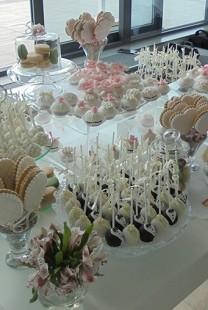 Home Made Company: Svadbene torte i slatki stolovi za venčanja