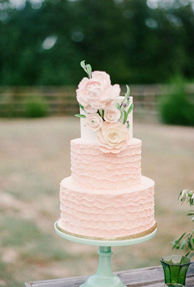 torta za vencanje7 Mladenačke torte kao iz bajke