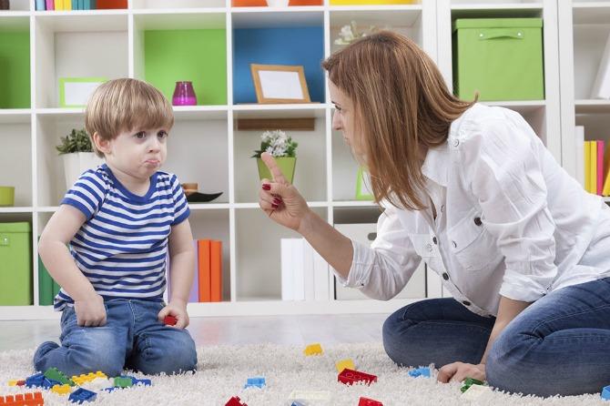 majka i dete2 Ne stvarajte detetu komplekse – zabranjene rečenice