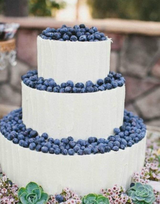 mladenacka torta12 Mladenačke torte ukrašene bobičastim voćem
