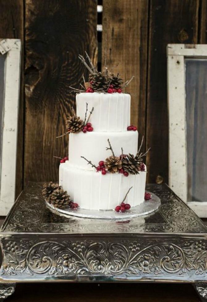 mladenacka torta3 Mladenačke torte ukrašene bobičastim voćem