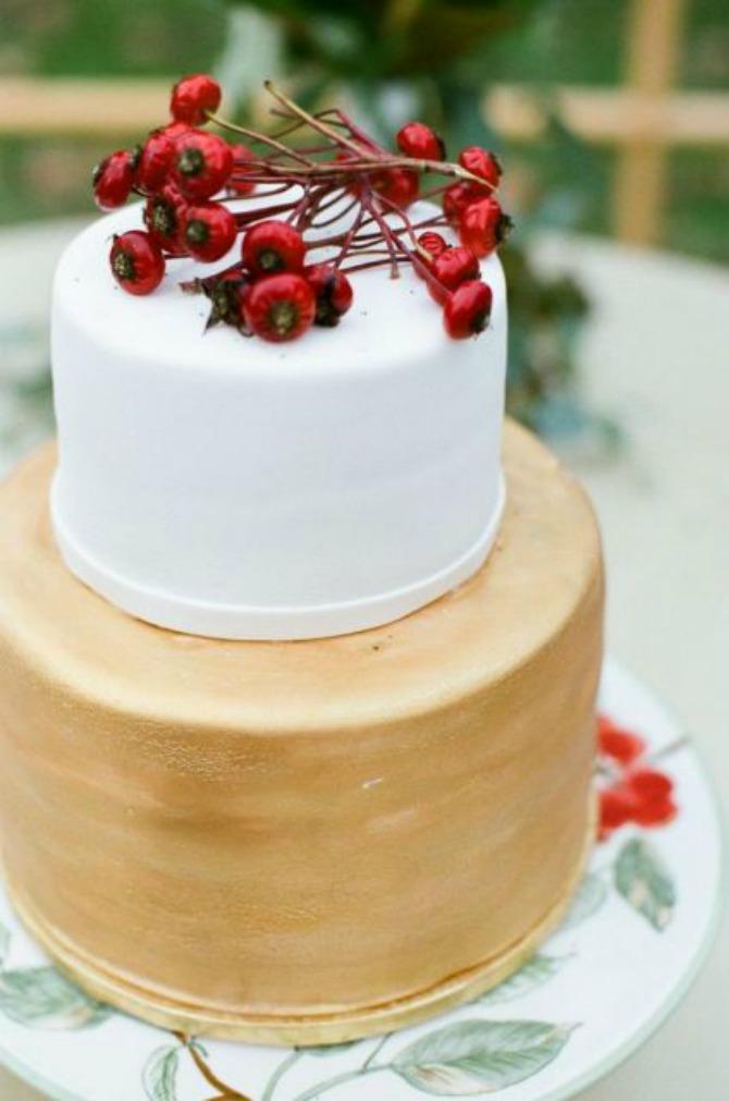 mladenacka torta4 Mladenačke torte ukrašene bobičastim voćem