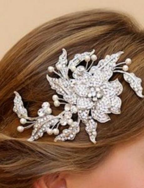 Brošem ukrasite kosu na venčanju