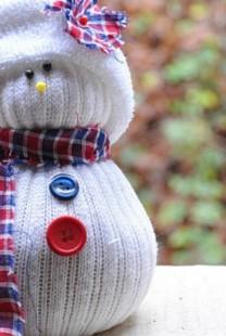 Napravite deci Sneška Belića od belih čarapa