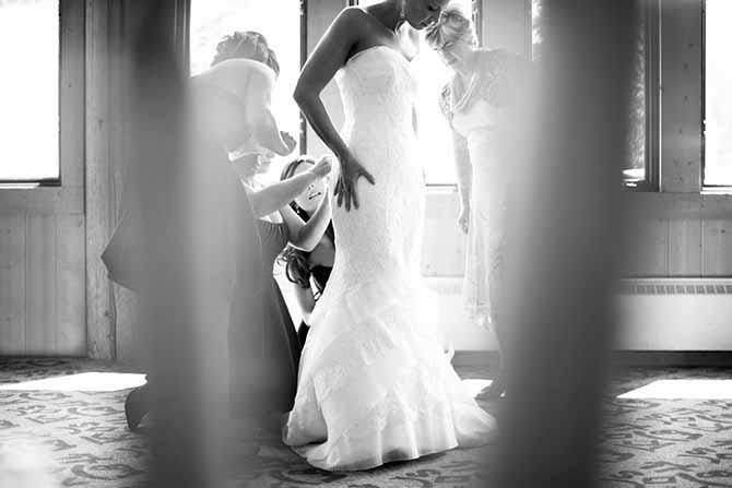 mlada isprobava haljinu Ovo nikako NEMOJTE raditi nedelju dana pre venčanja!