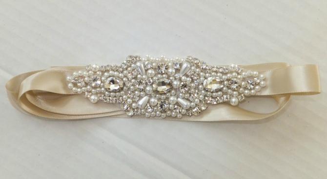 Kristali Elegantni detalji za JEDINSTVENE venčanice
