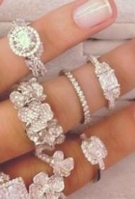 Kako se menjao izgled vereničkog prstenja kroz vreme (VIDEO)