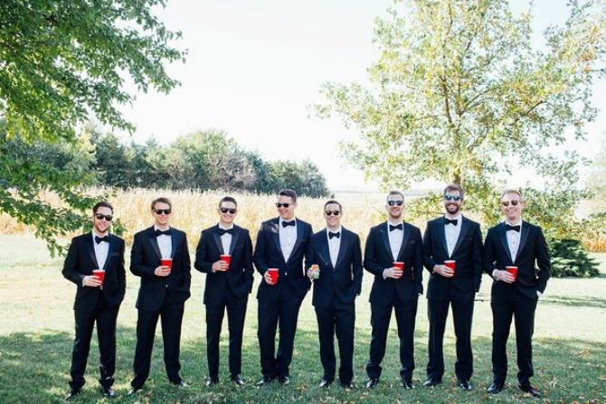 56f1b8cc1e00008e01711067 Kada se muškarci fotografišu na venčanju, to izgleda ovako! (GALERIJA)