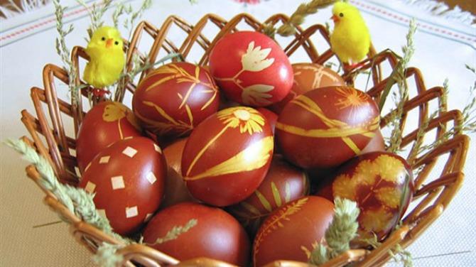 FARBANJE JAJA Ofarbajte uskršnja jaja PRIRODNIM bojama