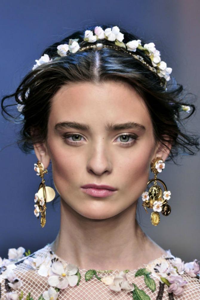 aksesoar za mladu1 Moderan NAKIT za kosu (GALERIJA)