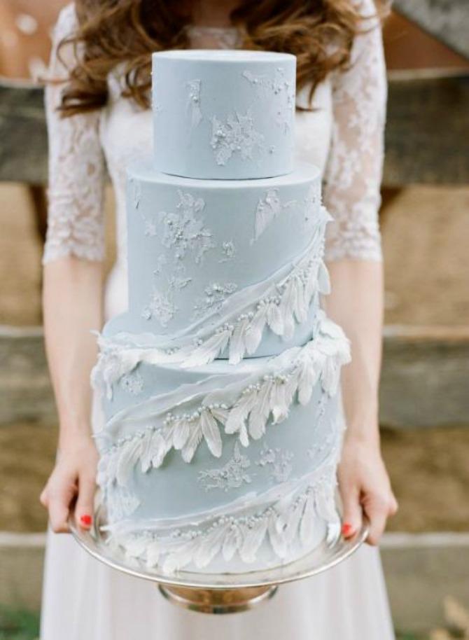 mladenačke torte ukrašene perjem1 Moderne mladenačke torte ukrašene perjem (GALERIJA)