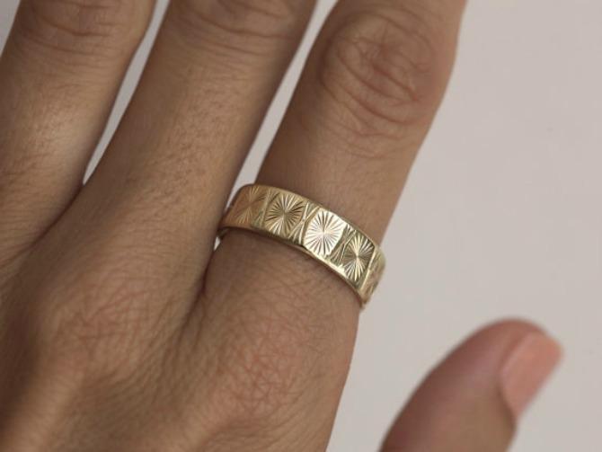 neobican verenicki prsten1 Neobično vereničko PRSTENJE koje će vas osvojiti