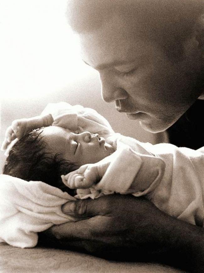 beba 17 Da se rastopiš: Najslađe fotografije srećnih očeva i njihovih beba