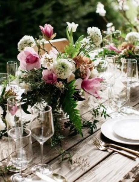 Najlepše cvetne dekoracije stolova za tvoj veliki dan