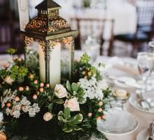 Čarobna dekoracija za venčanje – sveće u čašama i fenjerima